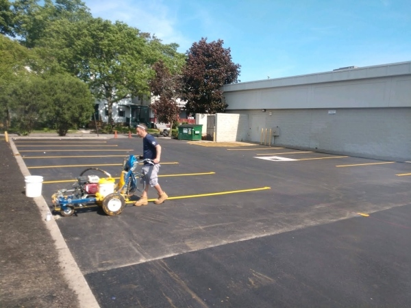 parking lot striping, commercial sealcoating, commercial real estate paving