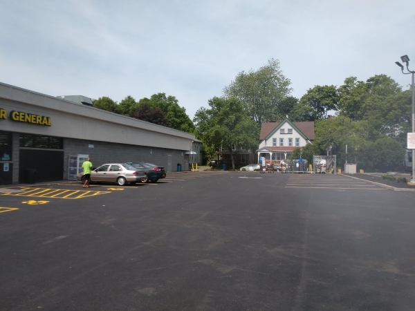 parking lot sealing, driveway sealing, asphalt sealcoating